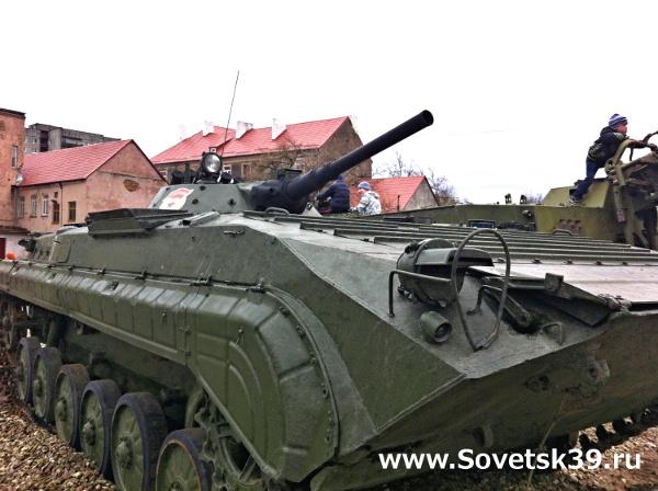 бронетехника в центре Советска 1