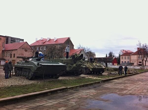 бронетехника в центре Советска 3